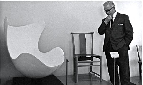 「マックに導入? 売るか売らないか迷うなぁ」©Arne Jacobsen  Egg chair, 1958.