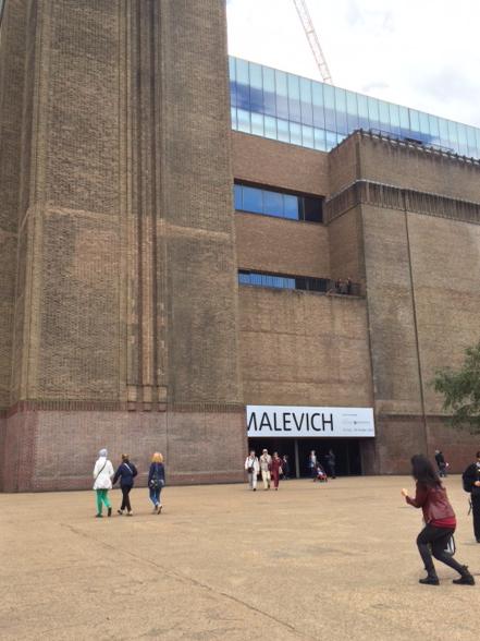 TATE MODERNにチャレンジ。TATE史上最も来客数の多かったマチスと、ロシアのアーティスト・マレーヴィチの展覧会へ。