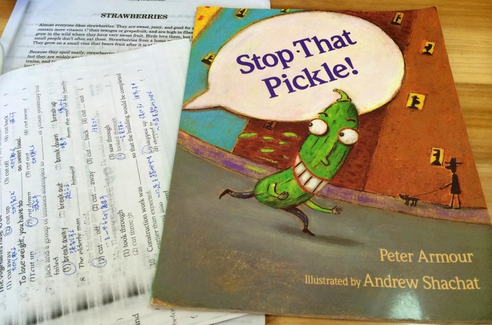 子ども用の絵本。語彙力が低い私のために、先生がリーディング用に貸してくれた絵本。内容はシンプルだったけど、意外に楽しめた