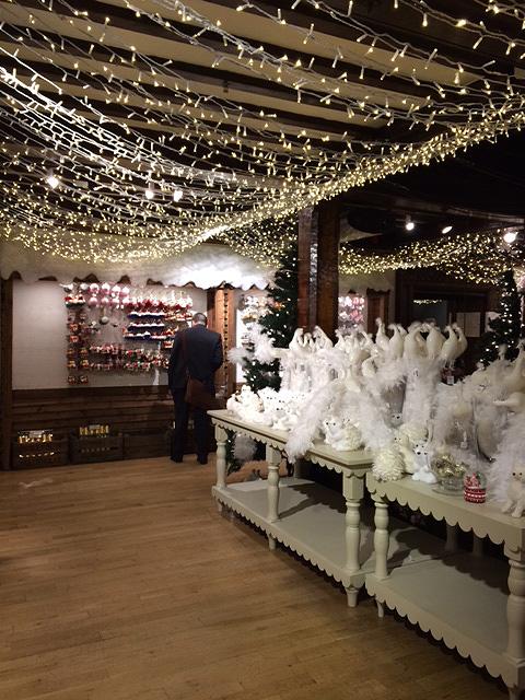 デパート「Liberty」内もクリスマス一色です。