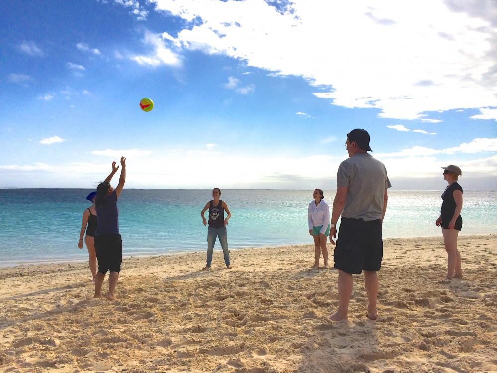 ビーチバレー。海に入ってひとしきり遊んだ後、みんなでビーチバレーをして楽しんだ。結構自信あったのに、思ったより動けなくてショックだった(苦笑)