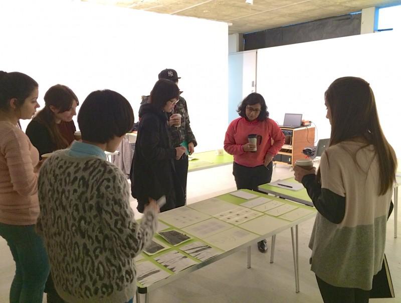 チュートリアルでは、クラスメイトの作品から刺激を受けたり、フィードバックをもらったり