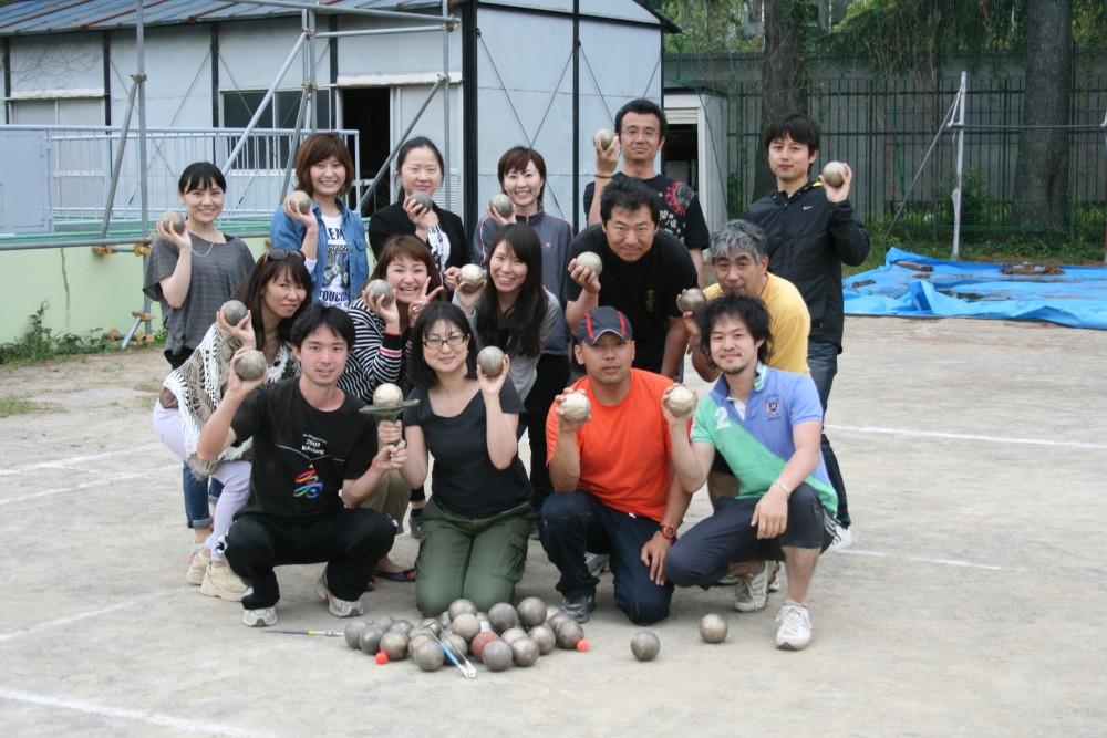 東京都内で開催した初心者講習会の様子。多いときは10名程度が参加してくれる。