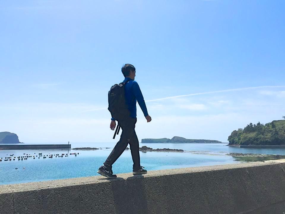 ついつい海を見るとこういうところを歩きたくなる