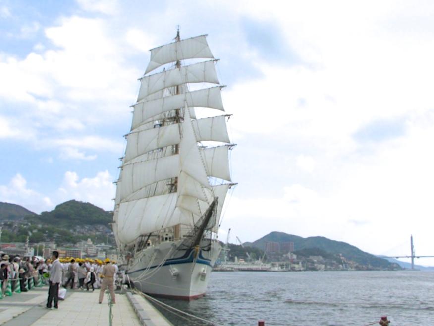 日本の大型帆船「海王丸」