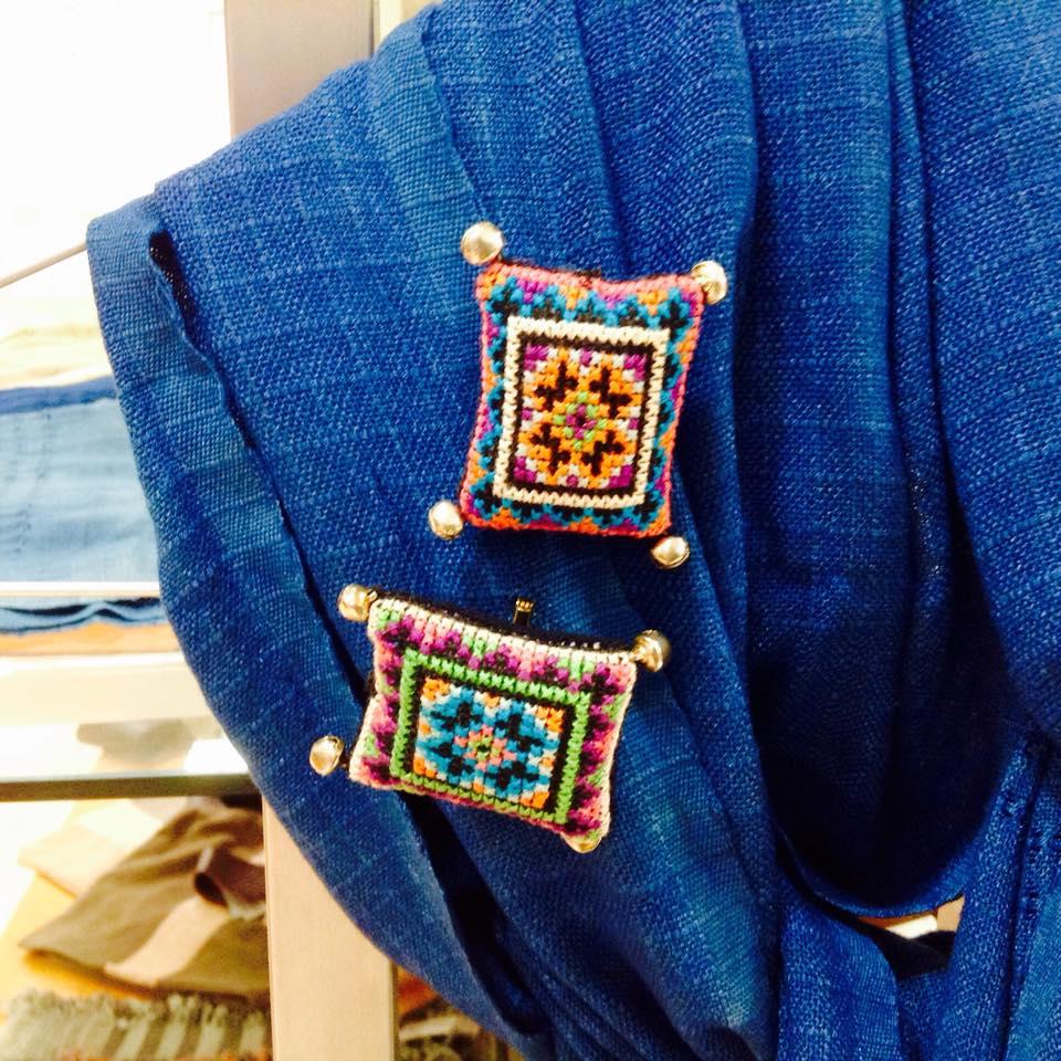 モン族の刺繍チャーム