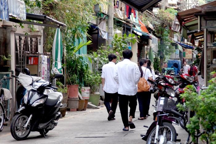 男性も女性もとても仲が良いベトナムの学生たち