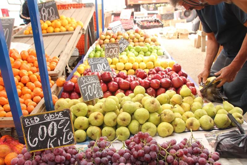 チリ / ビーニャ・デル・マル市場にて