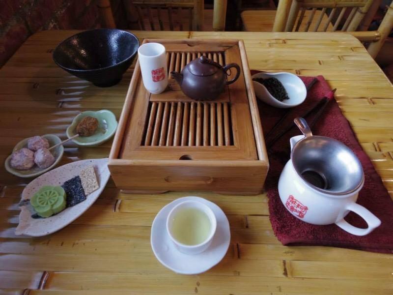 「ティーセット」台湾と言えばお茶。映画『千と千尋の神隠し』の舞台となったカフェにて