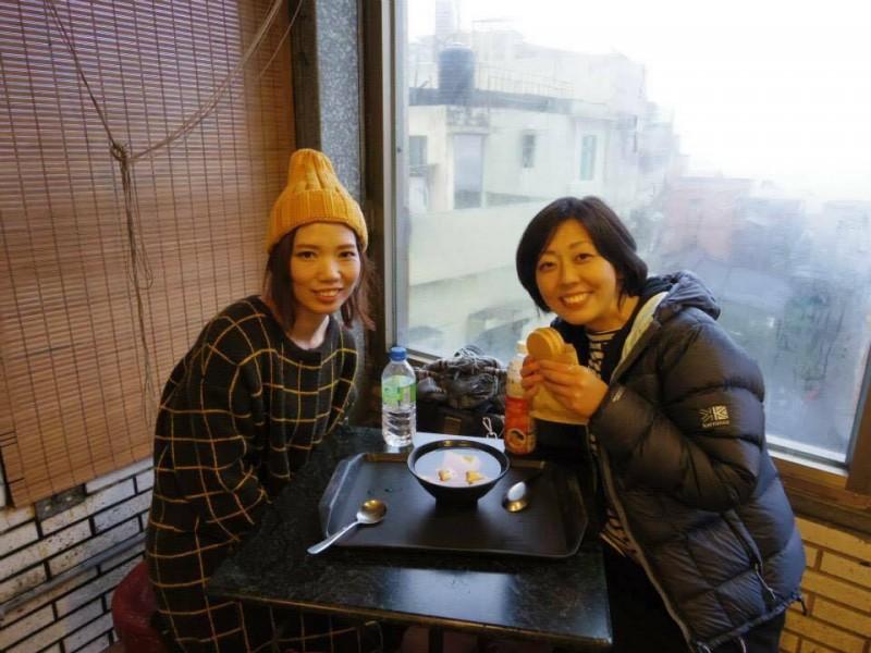 「九份でちょっと休憩」台北から九份に行く途中で仲良くなった香港人の女の子と