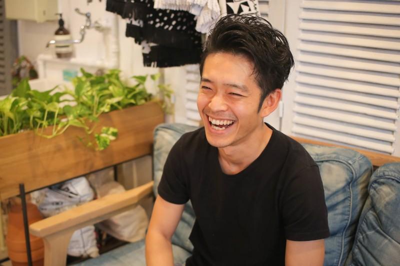 会った瞬間に緊張感を解きほぐす優しくあたたかな笑顔は菊川さんの大きな魅力だ
