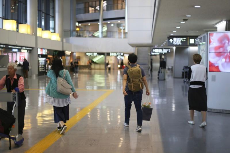 石神華織里@成田空港アートギャラリー
