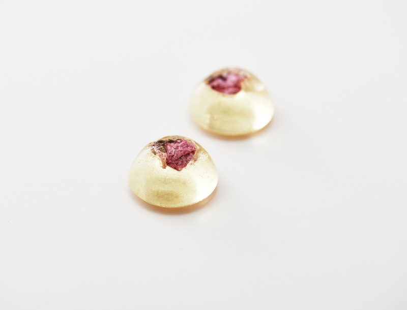 思い入れのある、桜の塩漬け入りべっ甲飴