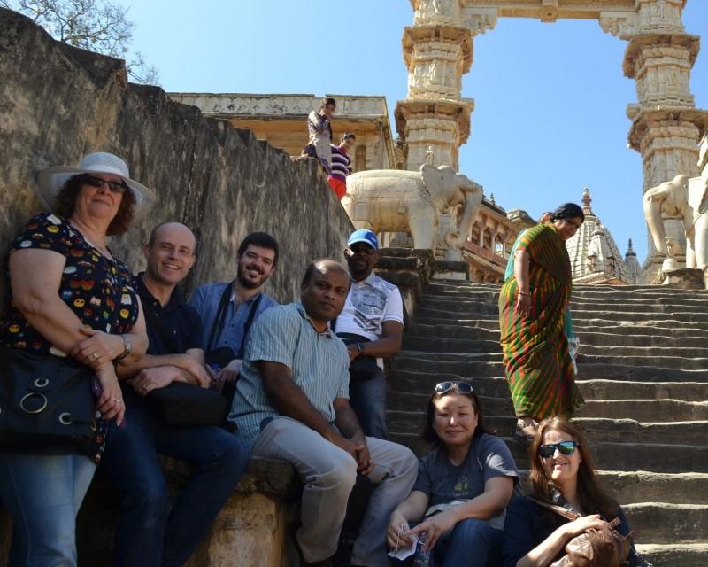 インドのメンバーと週末のオフショット