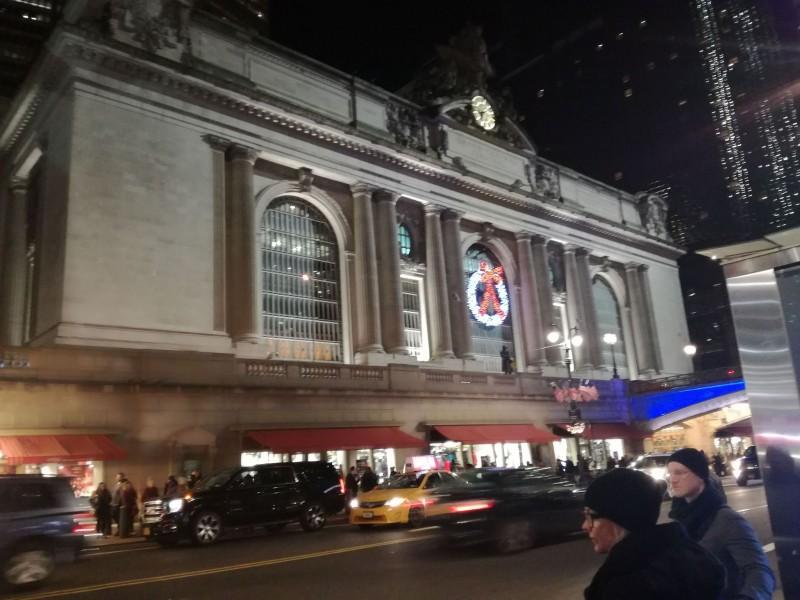 グランドセントラル駅。42丁目を「告白」の瞬間へと、歩く