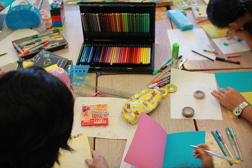 何色もの色鉛筆