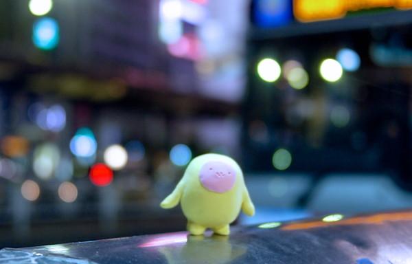 まだ暗いうちから電車に乗り込む(渋谷)